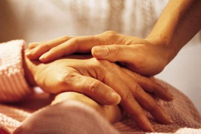 Hãy chìa bàn tay của bạn ra cho những người cần nó